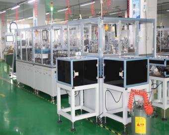 Automatic assembly machine for lock cylinder